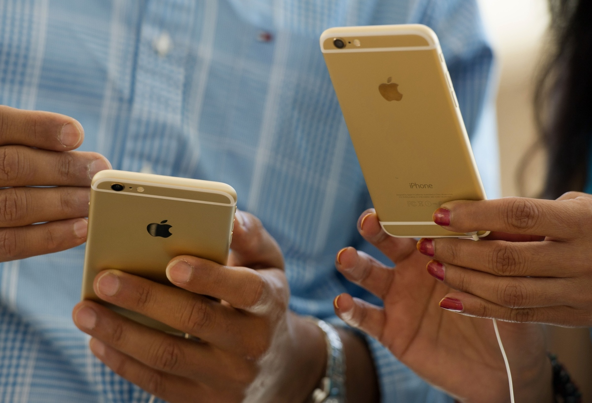 Watch How Apple's iPhone 6 and iPhone 6 Plus Fare In a Drop Test